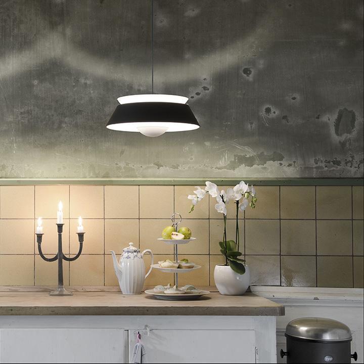 02035_VITA_Cuna_black_kitchen_environment_72dpi_RGB